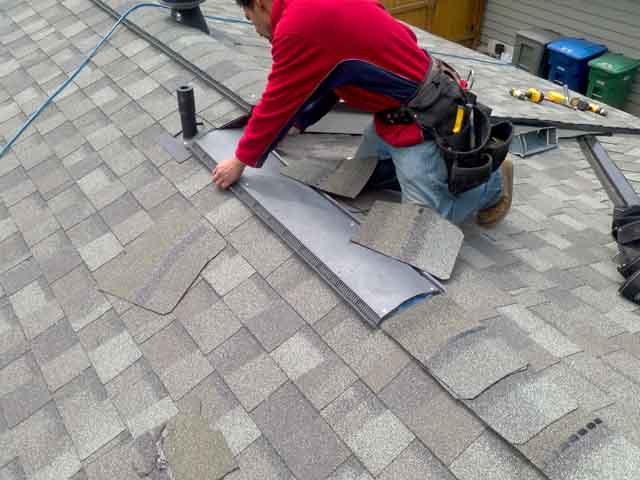 putting in a ridge vent on a new roof